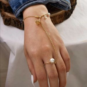 Jewelry - 🆕 Rose + Pearl Finger Chain Bracelet